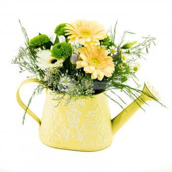 Декоративная лейка с цветами