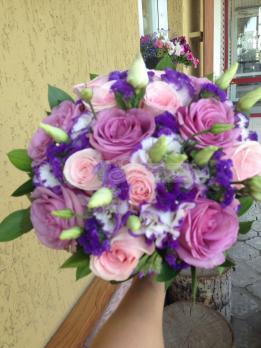Букет из розы эквадор, статицы, эустомы