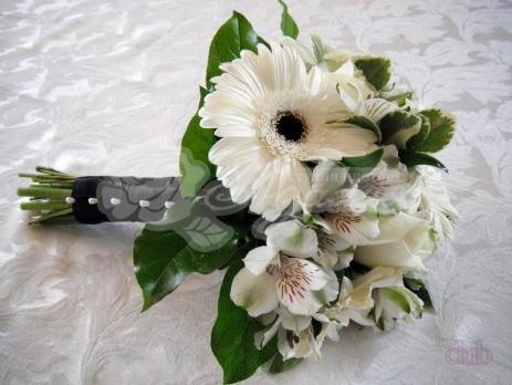 Букет из гербер 3 шт,  салала 3 шт, альстромерии 5 шт, розы вендела 3 шт