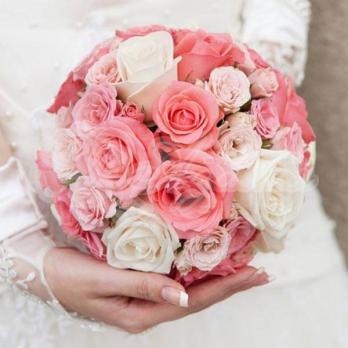 Букет из розы эквадор 15 шт, кустовой розы 6 шт