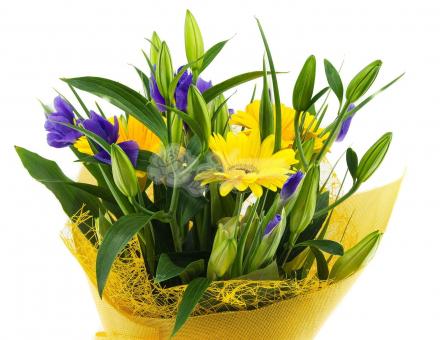 Букет с лилиями и герберами