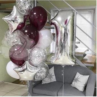 Композиция из шаров на 1 год. «Бургундия и шары серебро»